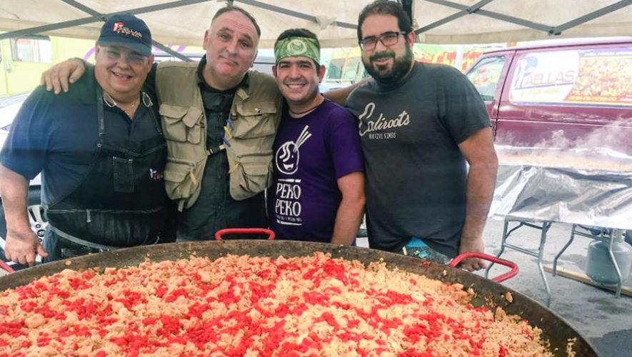 Chefs comparten comida con los guatemaltecos