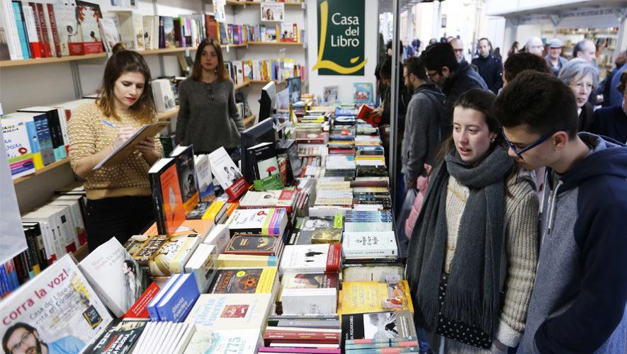 Feria del Libro 2018 en la Plaza Barrios, Ciudad de Guatemala