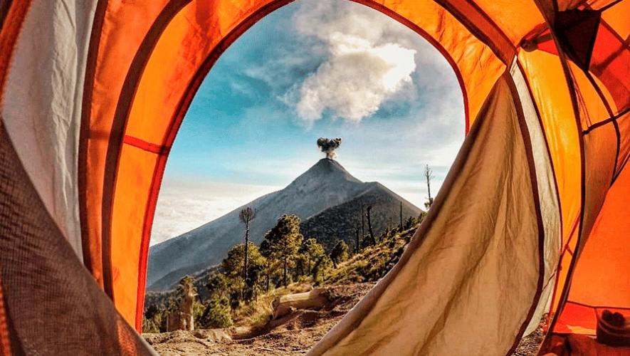 Campamento con vista al volcán de Fuego | Febrero 2019