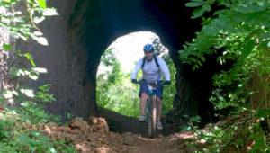 Colazo en bicicleta por los túneles férreos en Ipala, Chiquimula | Febrero 2019