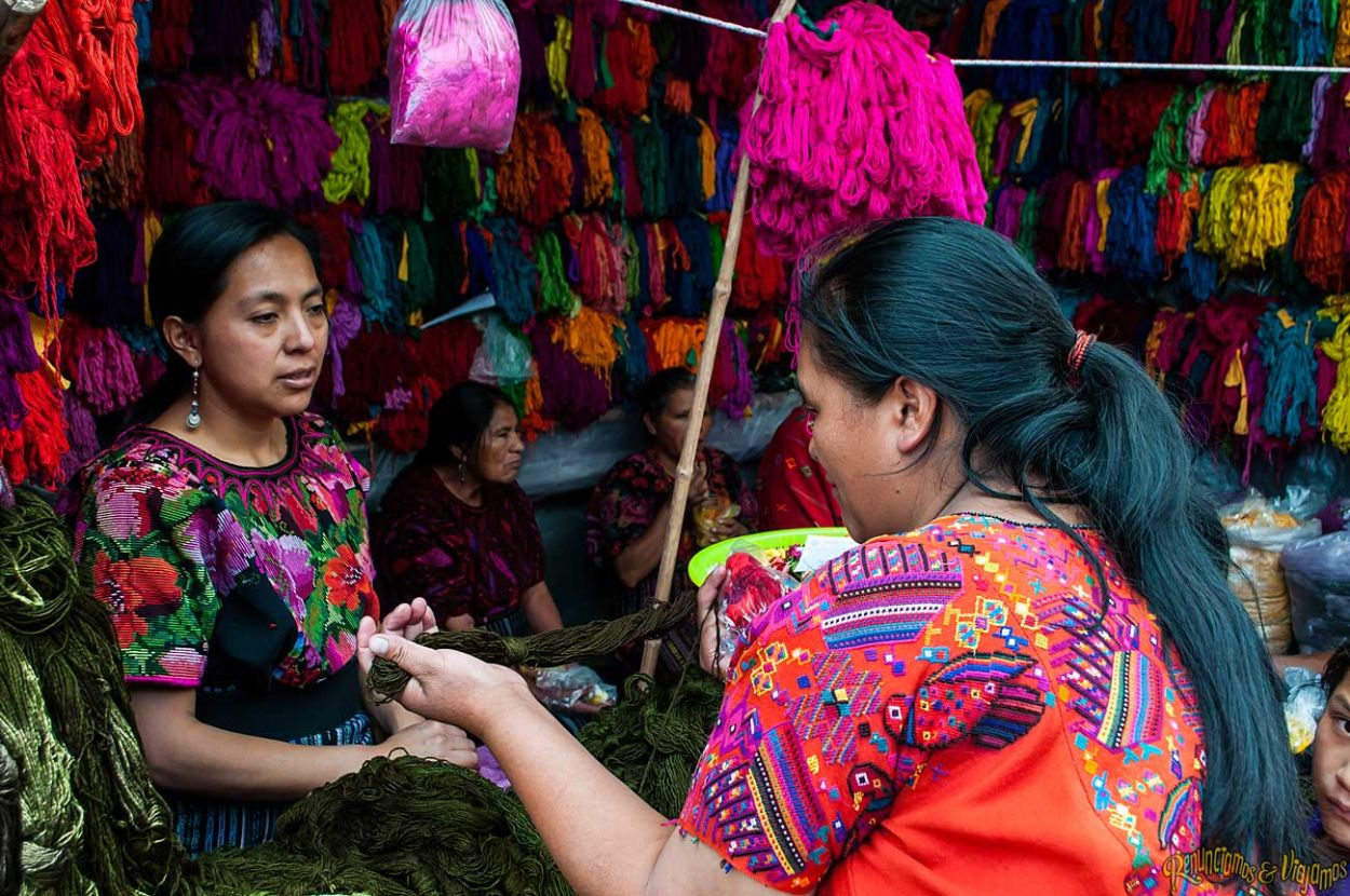 El tradicional mercado de Chichicastenango
