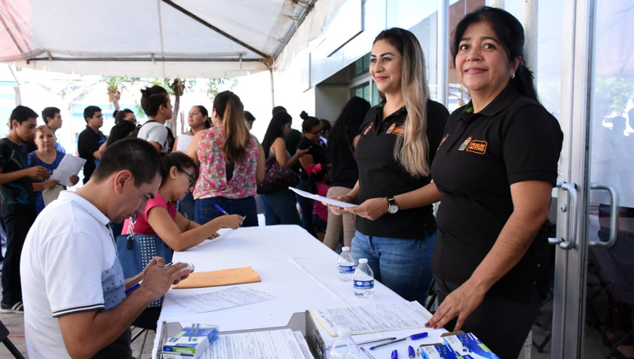 Feria de empleo en Plaza Obelisco