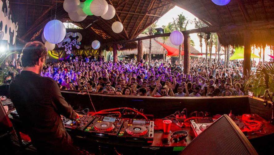 Fiesta de música electrónica en El Paredón, Escuintla | Febrero 2019