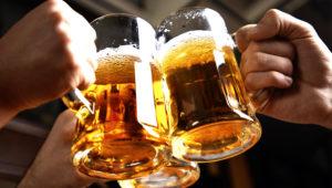 Reto para tomar 10 cervezas en 1 hora en 100 Montaditos   Enero 2019