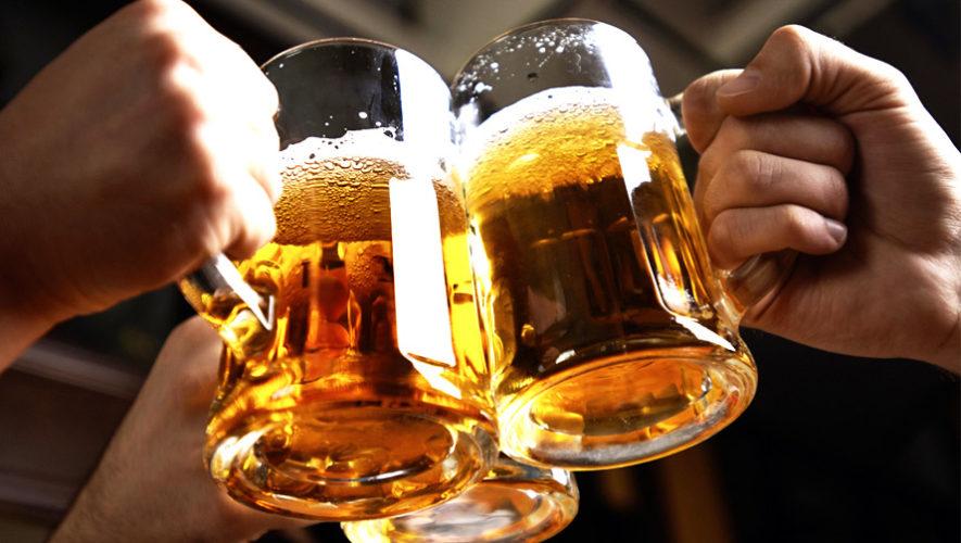 Reto para tomar 10 cervezas en 1 hora en 100 Montaditos | Enero 2019
