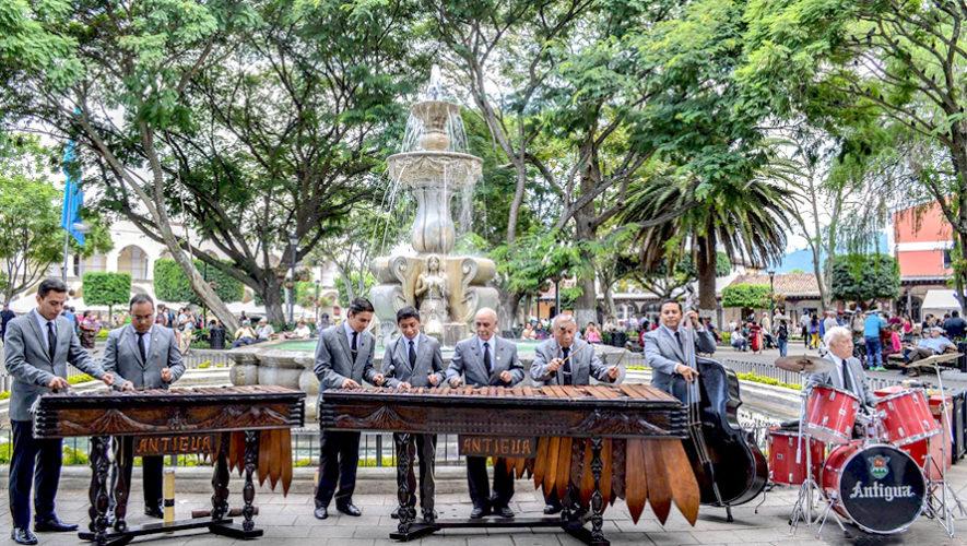 Tardes de marimba en el Parque Central de Antigua Guatemala | Enero 2019