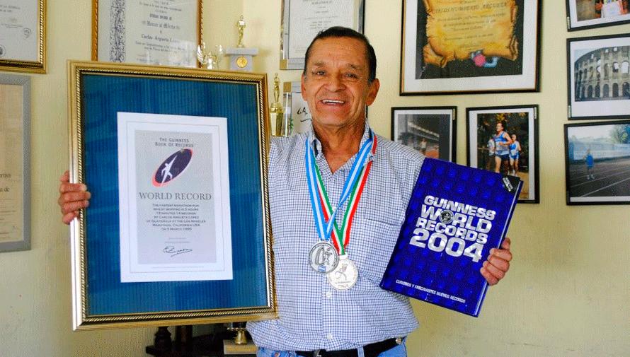 Carlos Argueta, el atleta quetzalteco de más de 70 años que tiene un récord Guinness