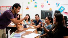 Cursos de lenguaje de señas en el Comité Pro Ciegos y Sordos en la Ciudad de Guatemala