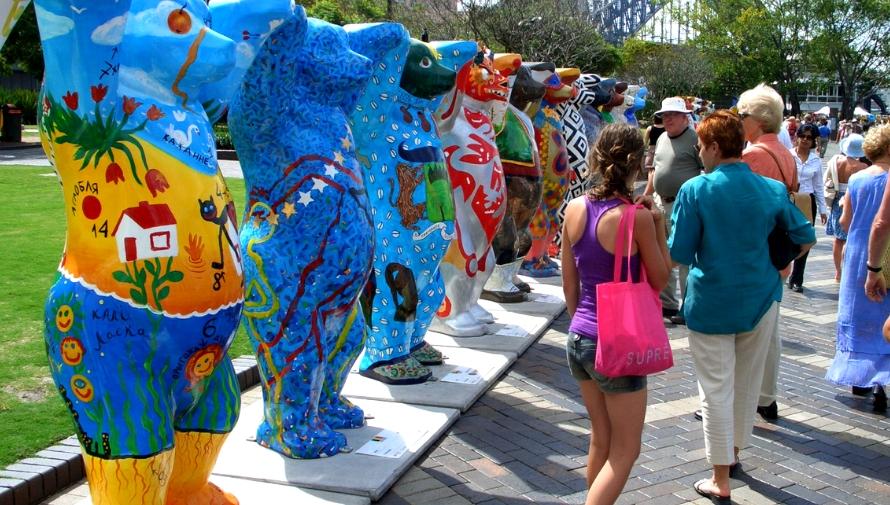 Exposición de osos gigantes United Buddy Bears en Antigua Guatemala