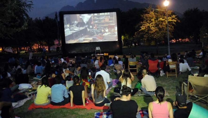 Noche de cine en el Parque Central de Villa Nueva | Febrero 2019