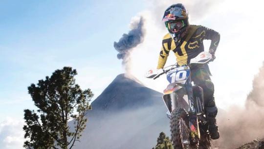 El programa que grabó Red Bull en el Volcán de Acatenango