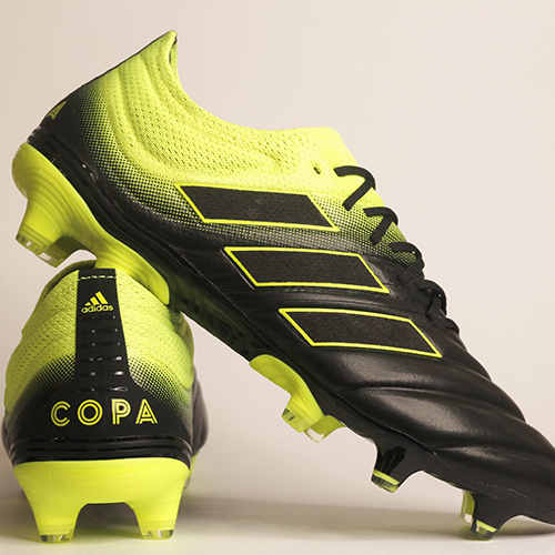 906ecf990a0 Adidas lanzó nueva línea de zapatillas de fútbol Exhibit Pack en Guatemala