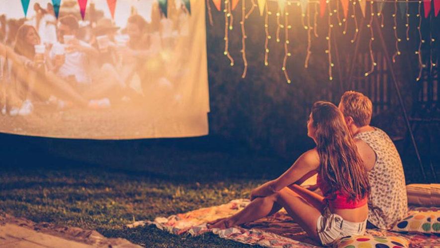 Cine al aire libre en la Alianza Francesa | Abril 2019