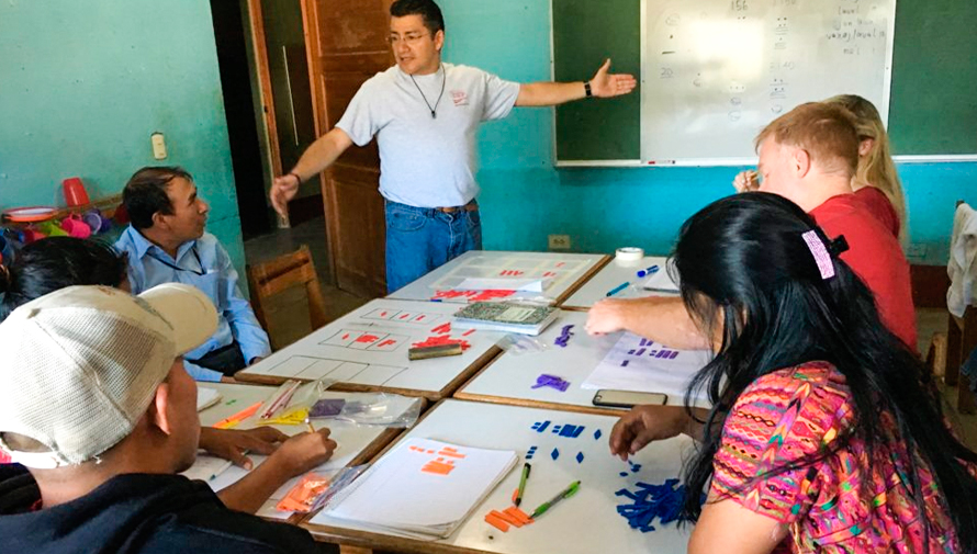 Cursos gratuitos de Kaqchikel para niños y adultos en Santiago Sacatepéquez durante 2019