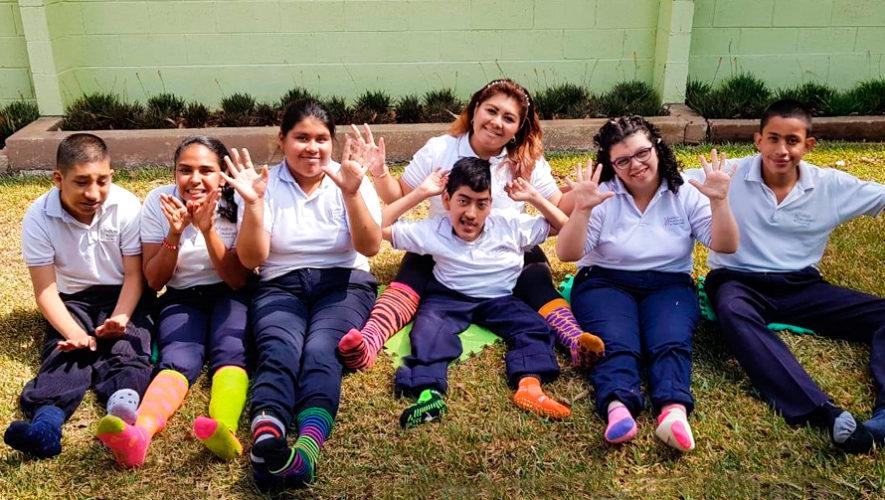 Día del Síndrome de Down: reto de calcetines de colores se vuelve viral en Guatemala