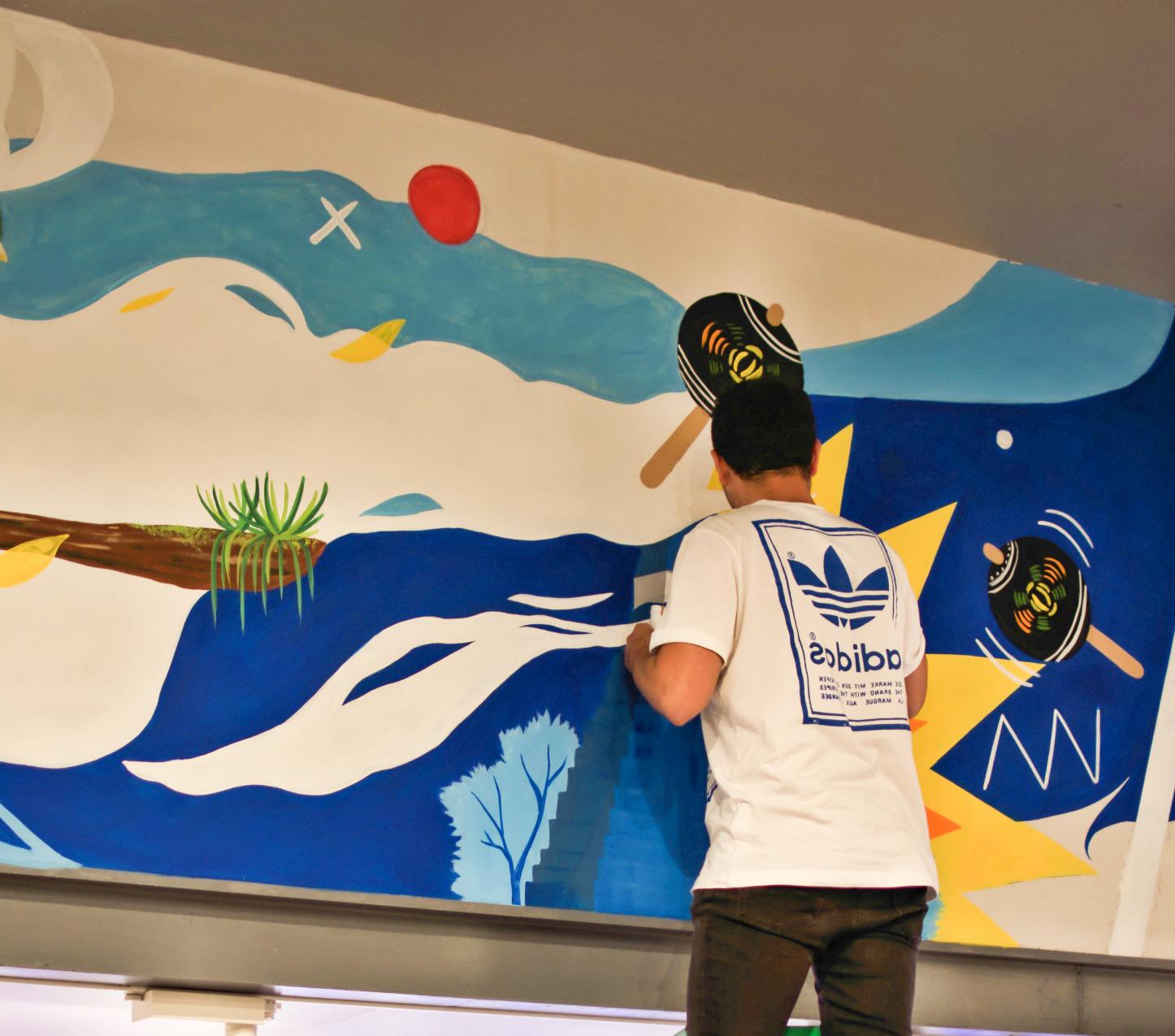 El talento del guatemalteco en una tienda de Adidas
