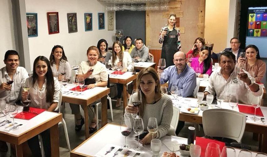 Cursos en la Escuela de Vinos Corchos en Guatemala