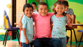 Give Wings: movimiento guatemalteco que beneficia la salud y educación de la niñez