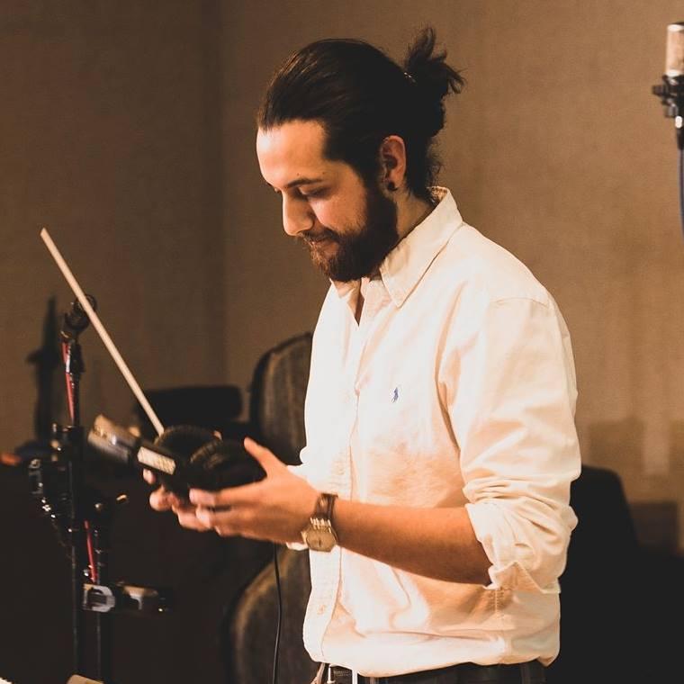 Músico quetzalteco demuestra su talento