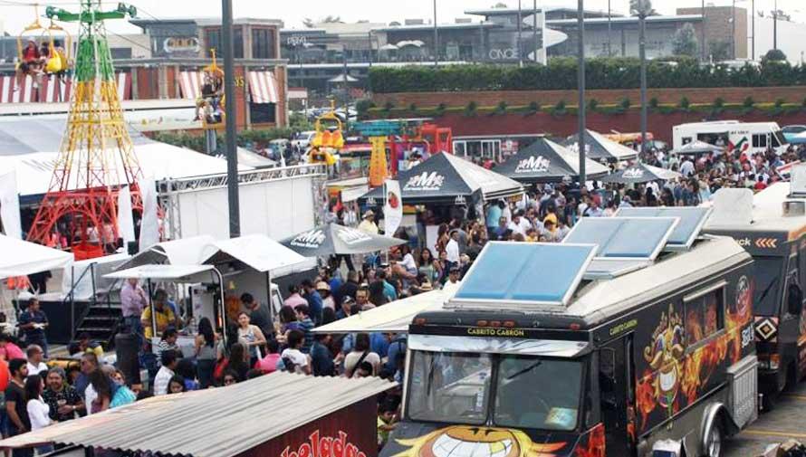 Convención de food trucks en Ciudad de Guatemala