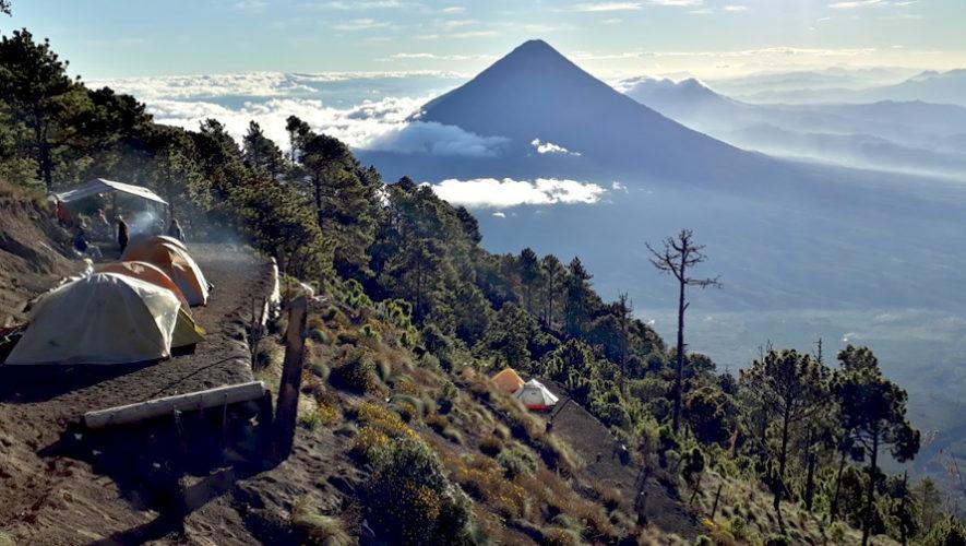 Campamento y ascenso del volcán Acatenango | Abril 2019