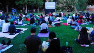 Cine gratuito al aire libre en la Alianza Francesa | Mayo 2019