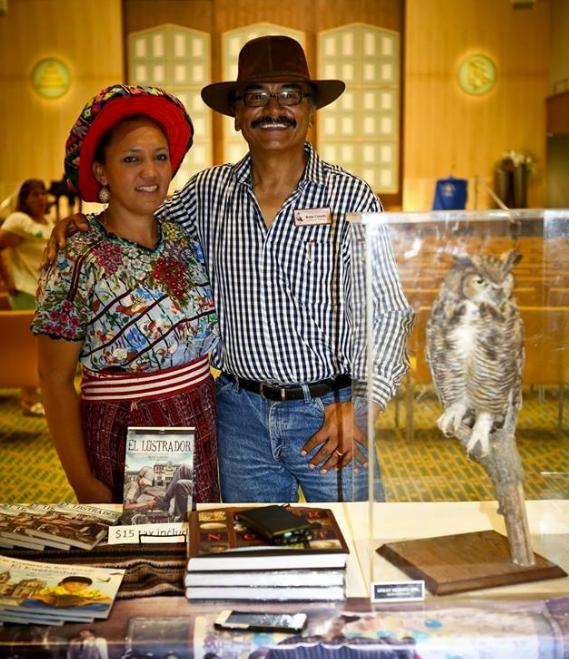 El Lustrador libro guatemalteco