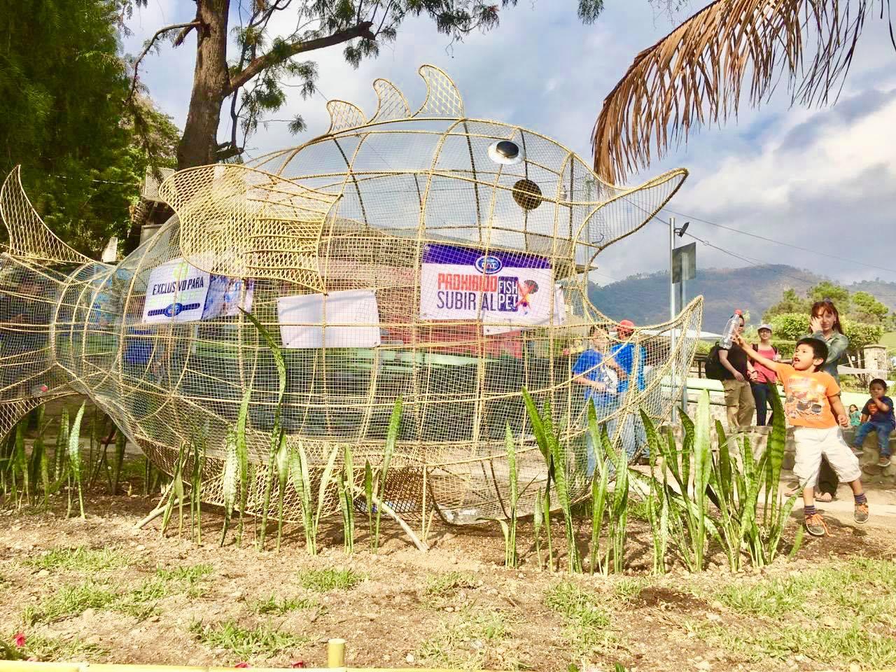 El primerpez metálico gigante en Guatemala