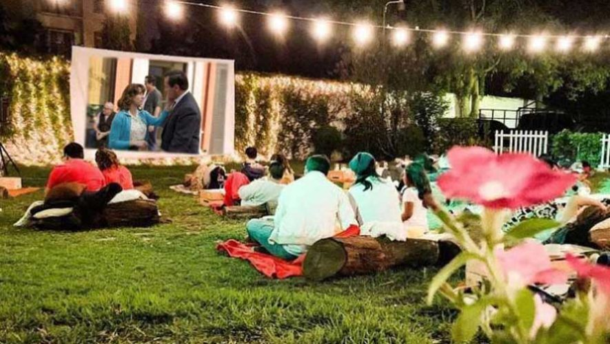 Proyección de cine al aire libre para parejas | Mayo 2019