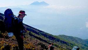 Campamento en la cumbre del volcán Atitlán   Mayo 2019