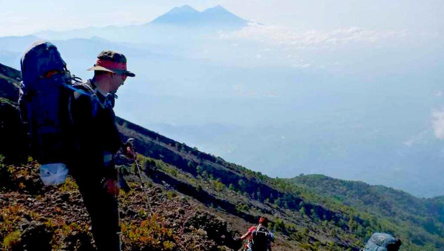 Campamento en la cumbre del volcán Atitlán | Mayo 2019