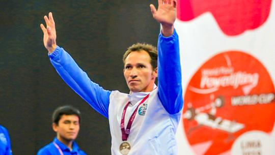 César Echeverría ganó plata en la Copa del Mundo de Parapowerlifting 2019