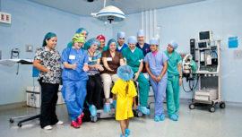 Cirugía plástica gratuita de labio y paladar hendido para niños y adultos en julio 2019