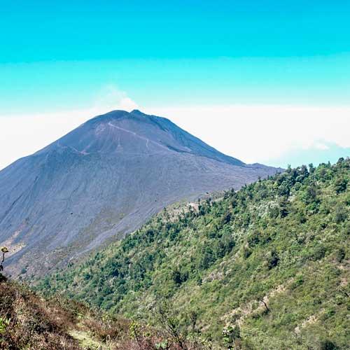 Viaje para escalar las 5 cumbres del volcán Pacaya | Mayo 2019
