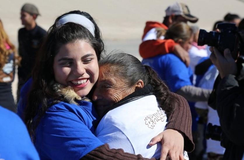 Buscan guatemaltecos para colaborar como centro de ayuda de Airbnb para socorristas y residentes