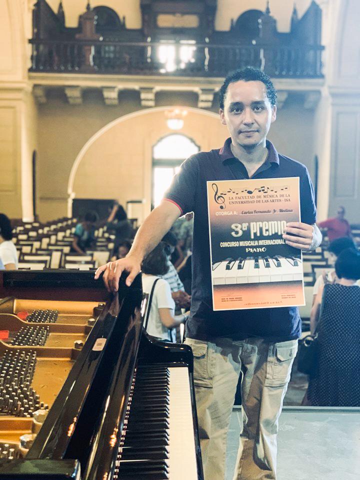 Carlos Medina ganó el tercer lugar en el Festival Musicalia 2019 en Cuba