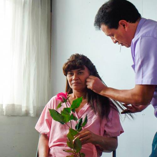 Convocatoria de maquillistas para jornada de donación de pelucas en marzo de 2019