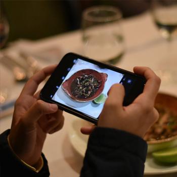 Degusta, guía gastronómica y aplicación móvil con descuentos en Guatemala DEGUSTA
