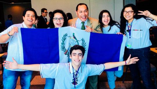 Guatemaltecos participan en Olimpiada de Matemática 2019 en República Dominicana