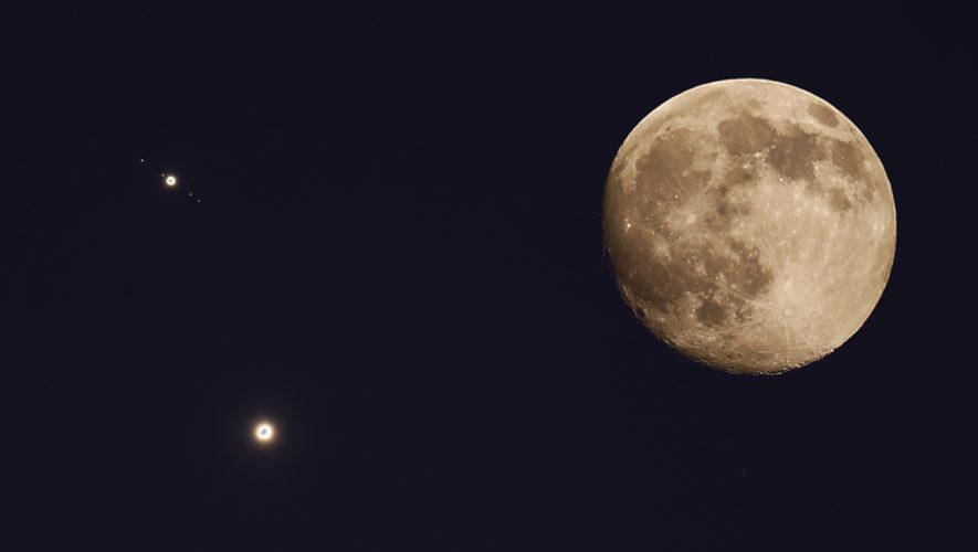 Hora para ver la conjunción de la Luna, Júpiter y la estrella Antares en junio de 2019