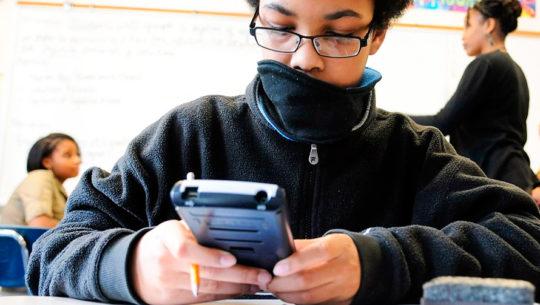 Recaudarán calculadoras científicas para jóvenes de escasos recursos