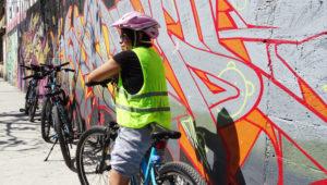Recorrido en bicicleta para ver murales y graffiti   Junio 2019
