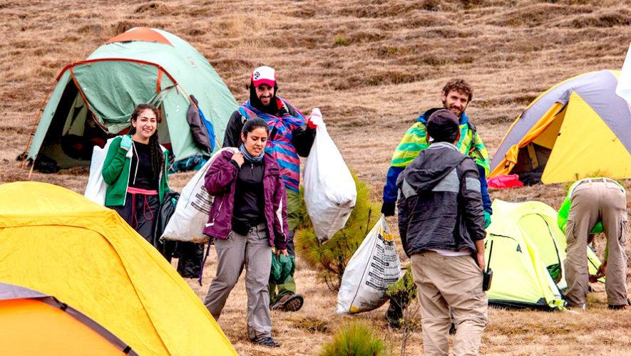 Viaje para limpiar las faldas del Volcán de Agua | Julio 2019