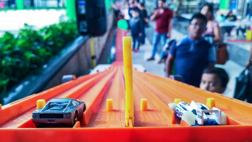 Carreras de Hot Wheels y pista gigante en Antigua Guatemala | Julio 2019