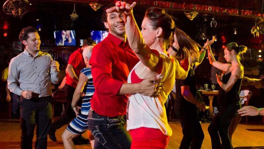 Clases gratuitas para aprender a bailar salsa en Atitlán | Julio-Agosto 2019