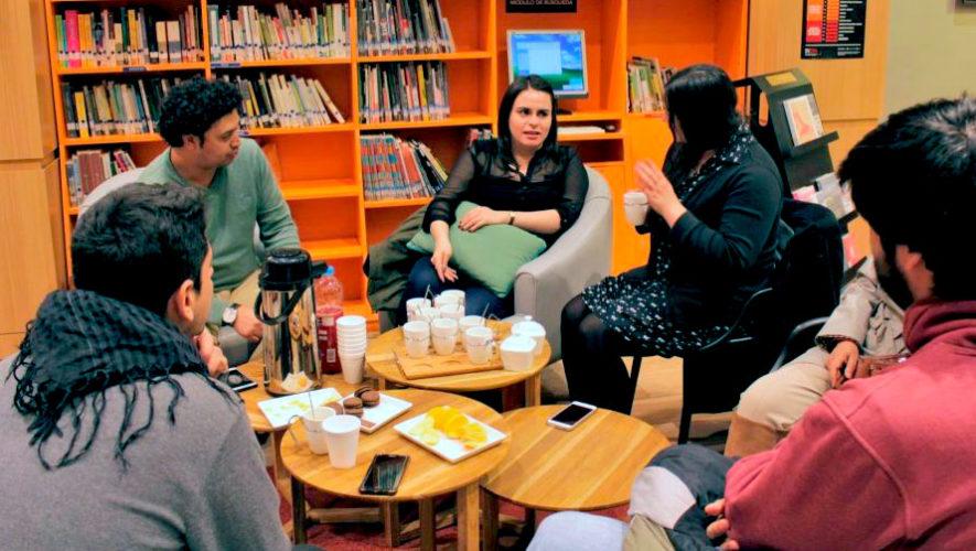 Club de lectura en Sophos acerca de un libro de suspenso | Julio 2019