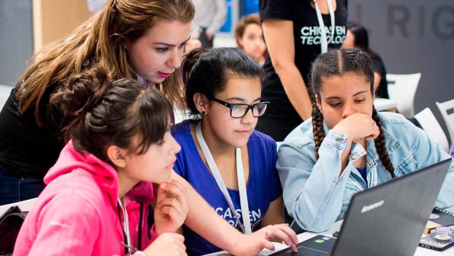 Convocatoria de becas técnicas para mujeres en la Ciudad de Guatemala en julio 2019