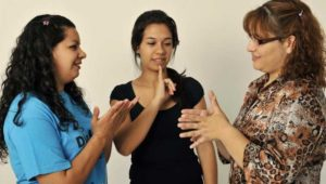 Curso básico de lengua de señas en Zona 10 | Julio 2019
