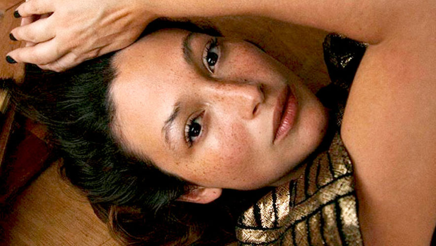 Diane Bathen, actriz de Temblores, destaca en video de la revista Vogue México