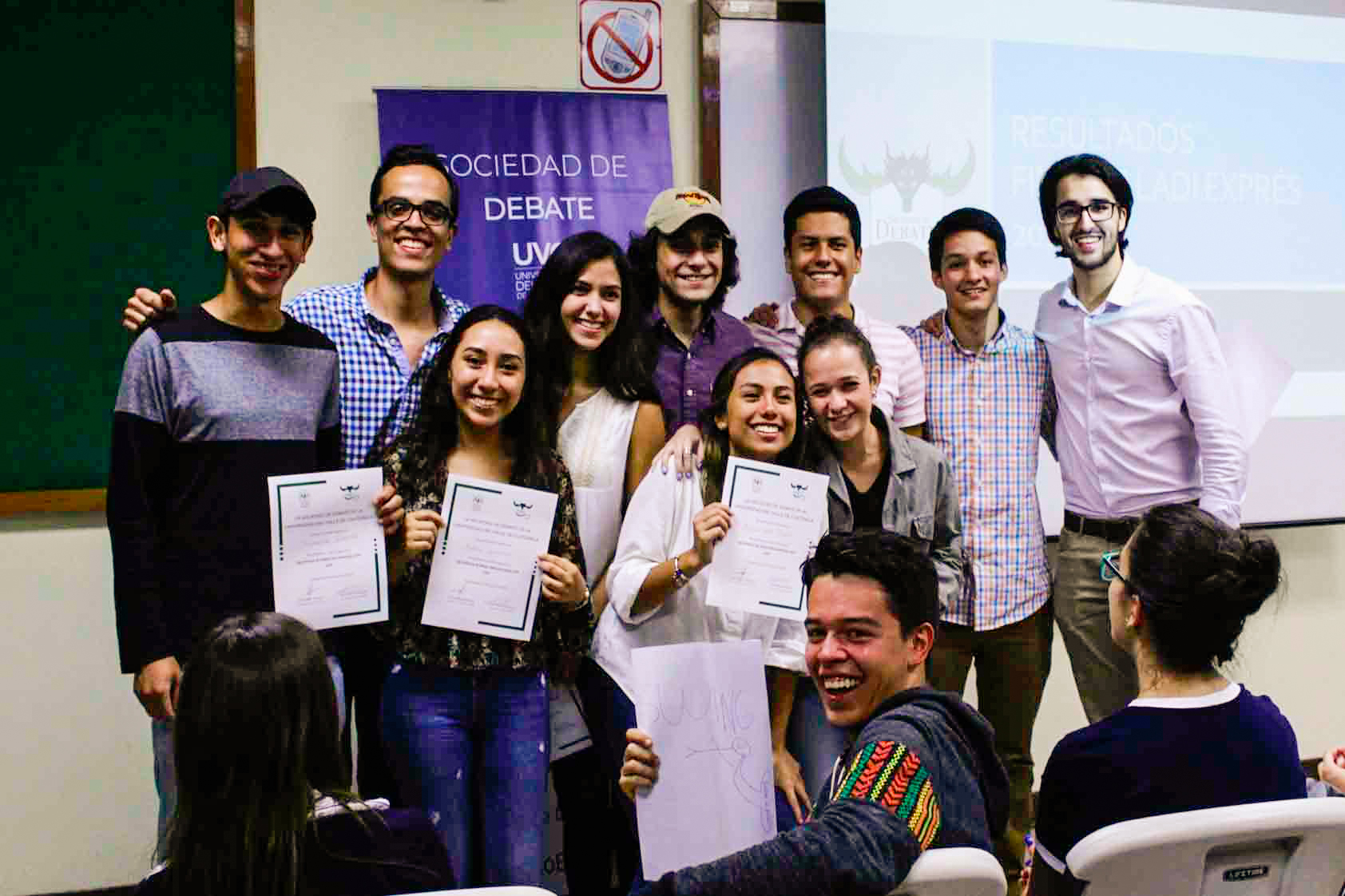 Guatemaltecos participan en competencia internacional